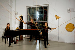 ensemble arcimboldo / resonance-box / Piano Extensions / Helena Bugallo, Charlotte Torres, Thilo Hirsch, Abril Padilla
